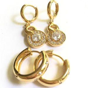 Jewelry - Gold Rhinestone Pierced Earrings